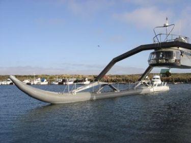 perahu yang aneh