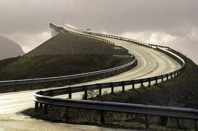 jembatan yang aneh_jaller.wordpress.com_ (4)