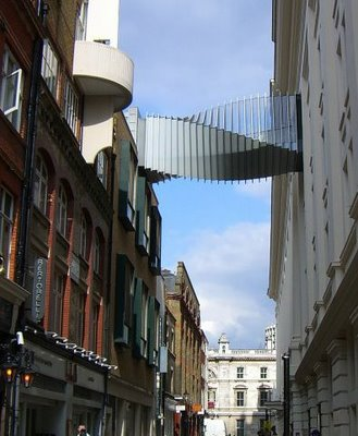 jembatan yang aneh_jaller.wordpress.com_